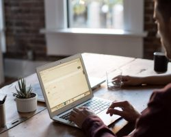 Čo vám môže pomôcť napredovať v podnikaní?